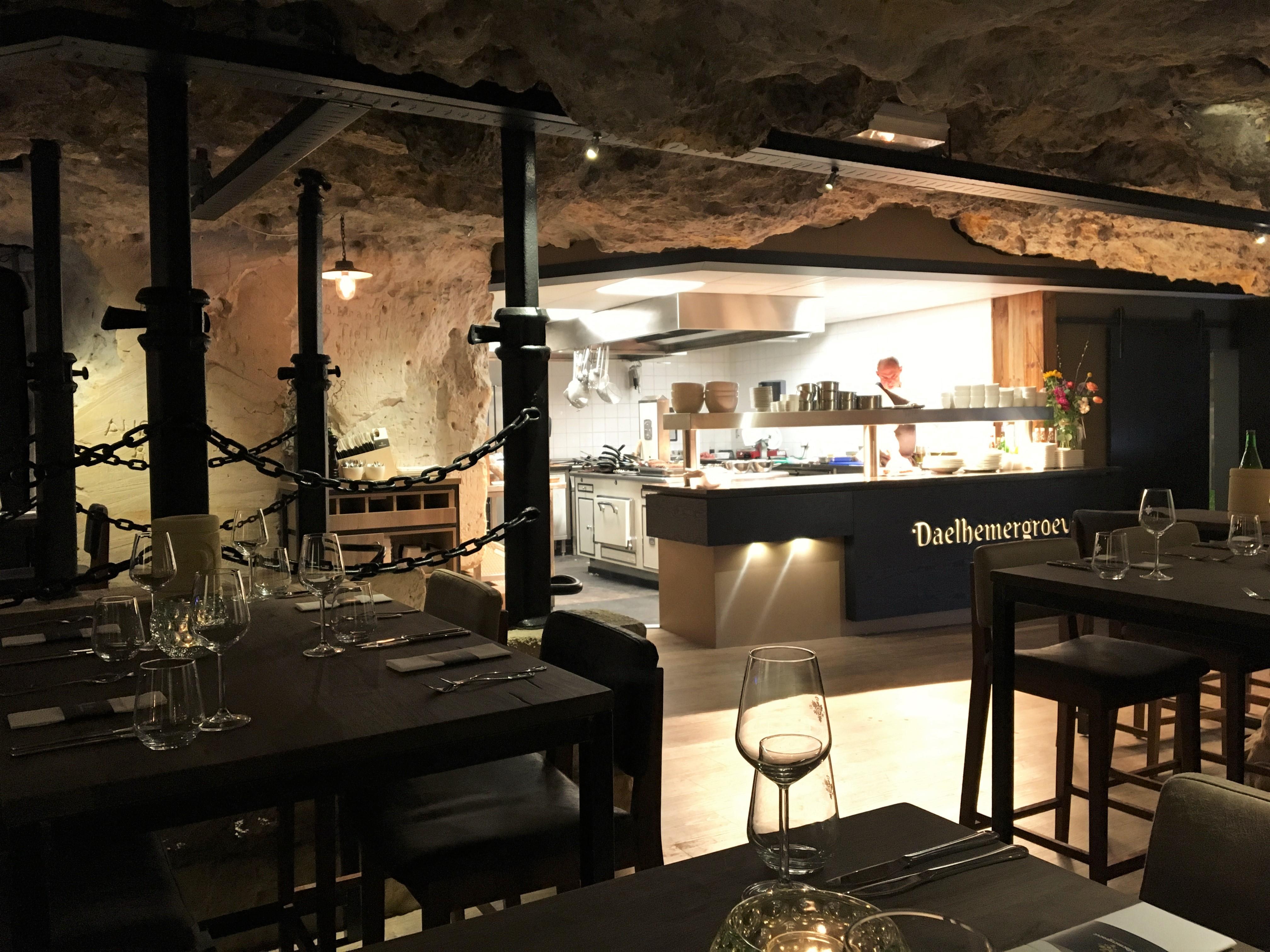 Daelhemergroeve - ondergronds dineren in Valkenburg